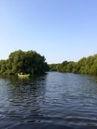 Keliling Taman Dengan Berperahu Atau Sewa Sppedboat Picture Of