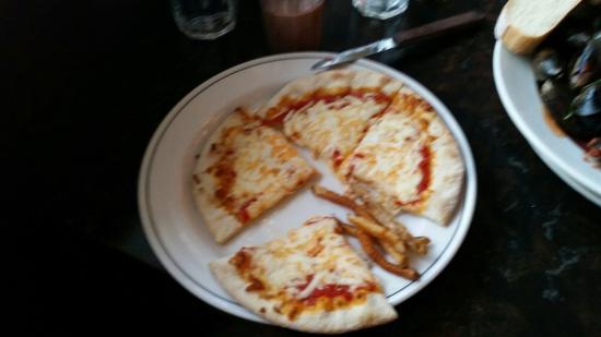 Bella Bistro : Cheese Pizza