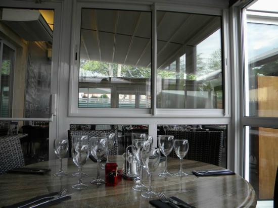 veranda picture of le cardito toulouse tripadvisor. Black Bedroom Furniture Sets. Home Design Ideas