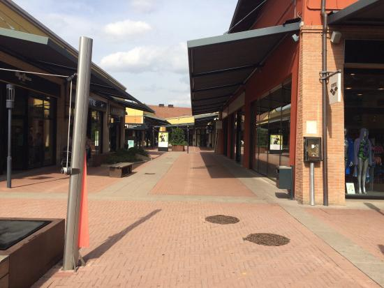 Castel Guelfo The Style Outlets: The cheapest in Euro zone