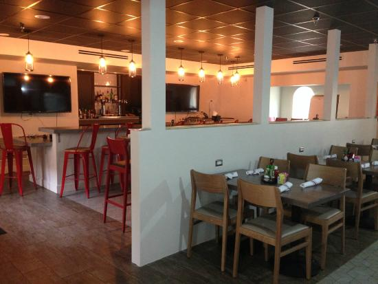 Burger Theory Restaurant Picture Of Holiday Inn Hotel Suites Tampa North Busch Gardens