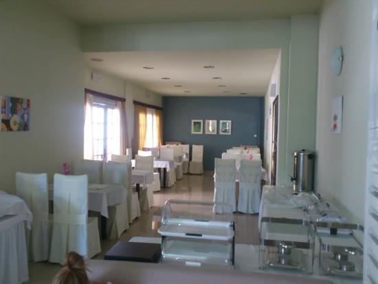 Francoise Hotel: Dining area - inside