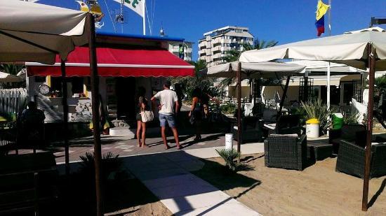 Bagno 44 picture of bagno pino spiaggia n 44 rimini tripadvisor - Bagno 44 rimini ...