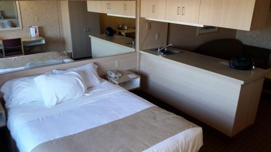 Microtel Inn & Suites by Wyndham Baldwinsville/Syracuse: Bedroom