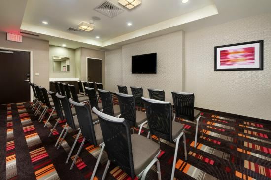 Courtyard by Marriott New York Times Square West: Tribeca Meeting Room Theatre Style