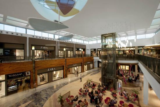 Tiendas picture of espacio mediterraneo centro comercial for Espacio interior