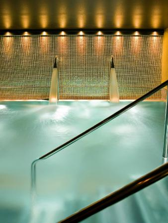 London, UK: Hydrotherapy Pool