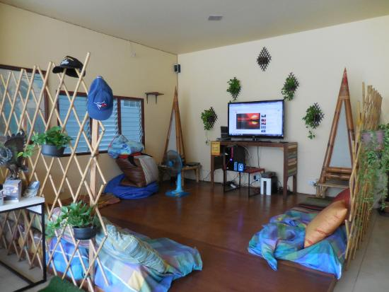 Blessing Backpackers: TV room