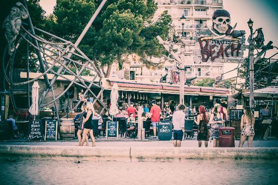 Pirates Beach Bar Grill