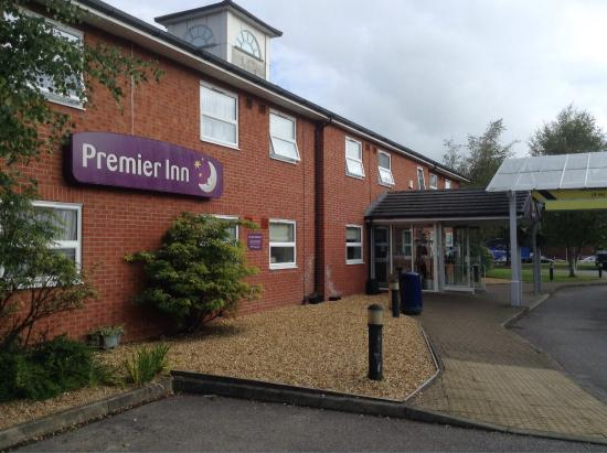 Premier Inn Pontypool Hotel: photo1.jpg