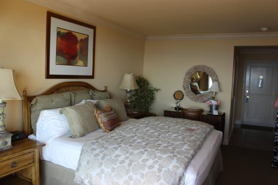 Tickle Pink Inn: Ocean View Room