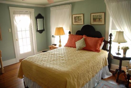 Felicity Farms Bed & Breakfast
