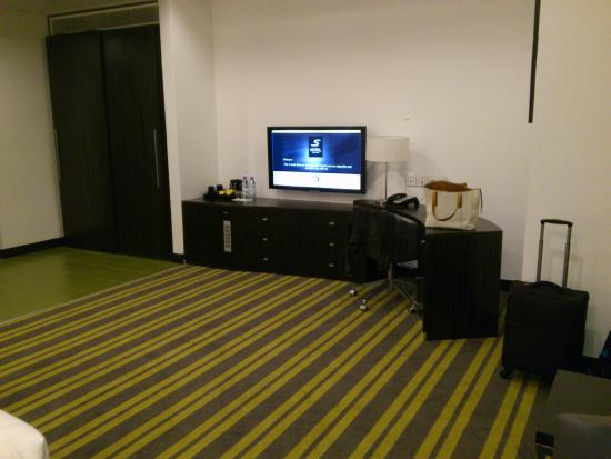 S Hotel Bahrain Huge Room