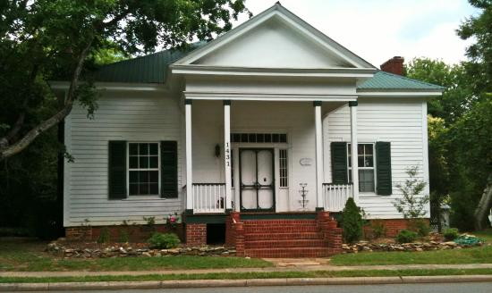Mount Pleasant, NC: Main Street House