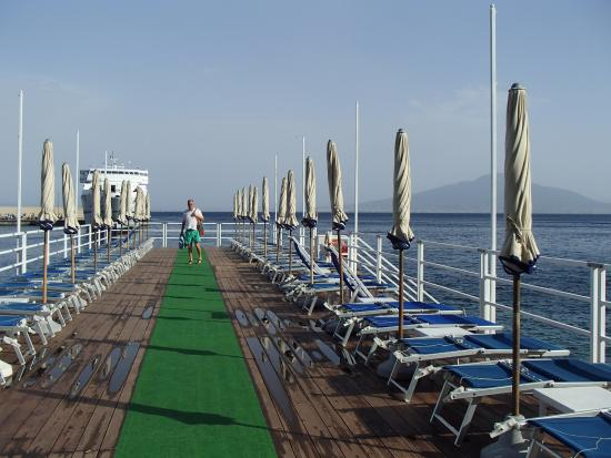 Europa Palace Grand Hotel: Sunbathing jetty