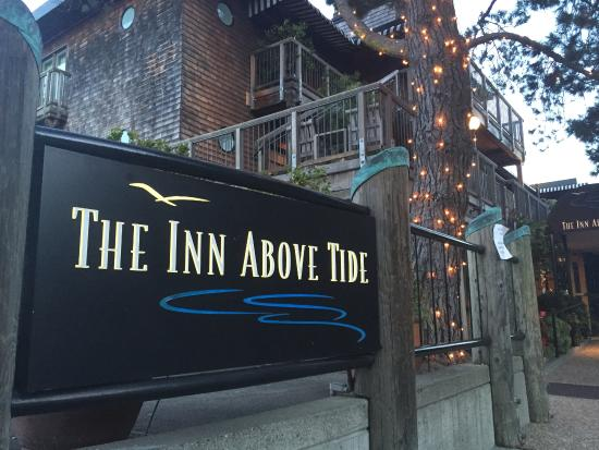 The Inn Above Tide: Welcome sign