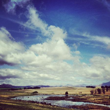 Penwarn Country Lodge: Crazy beautiful clouds, the sky seems so high