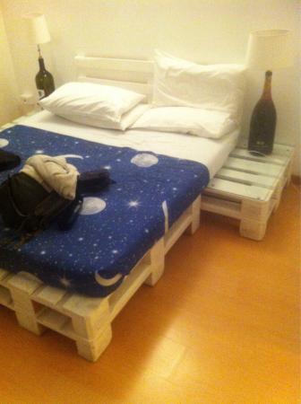 Nattbordslampe   foto di uptown bed and breakfast, bergamo ...