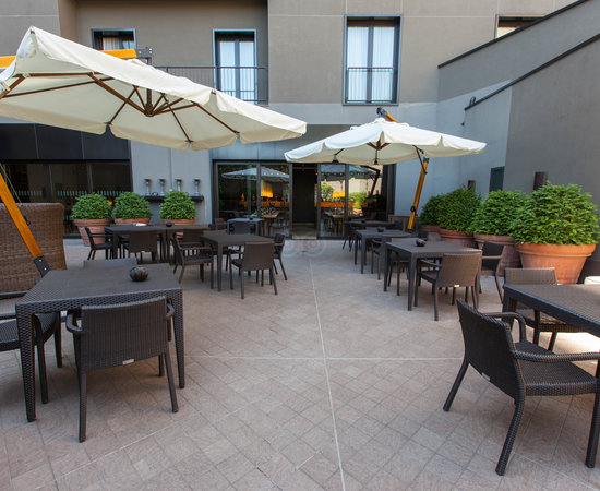 Courtyard at the Radisson Blu Hotel, Milan