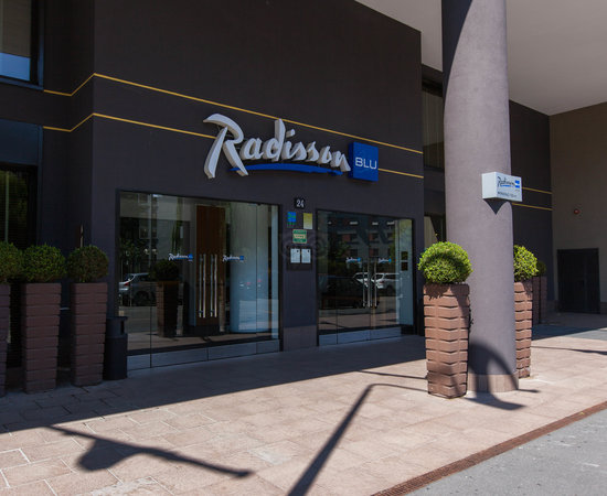 Entrance at the Radisson Blu Hotel, Milan