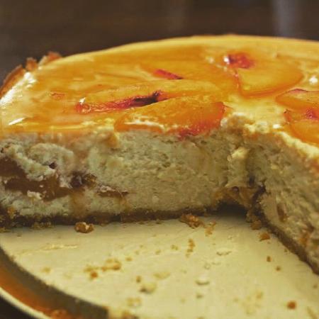 La Pomodori Ristorante: Fresh Peach Cheesecake