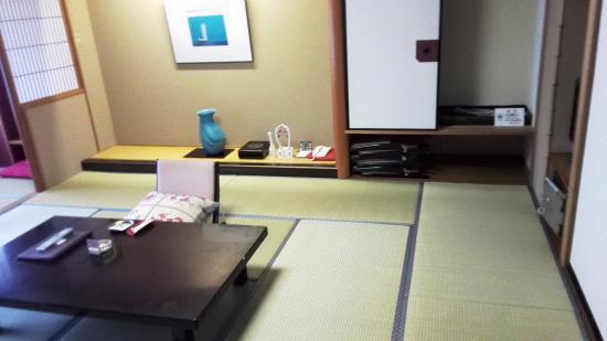 Hizenya Daishizen : 房間內 (一)