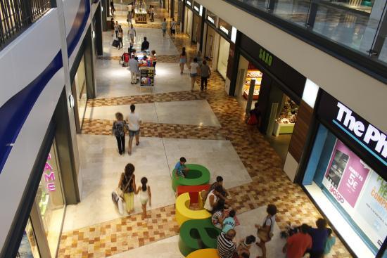 Pasillo moda picture of espacio mediterraneo centro - Centro comercial moda shoping ...