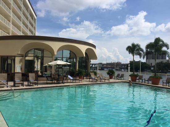 Sheraton Tampa Riverwalk Hotel: Pool by trhe river