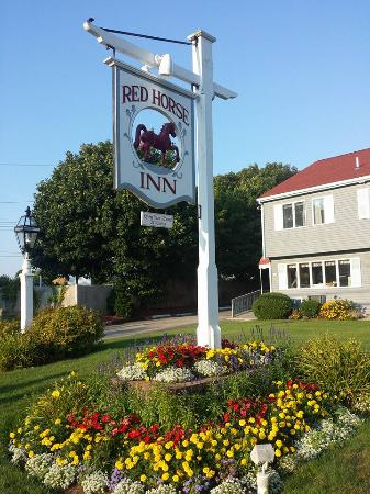 Red Horse Inn - Falmouth: Outside of Inn