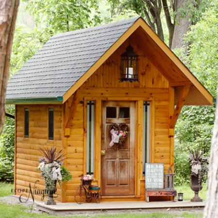 Cute Little Log Wedding Chapel In Stevensville Near Niagara Falls Ontario Canada