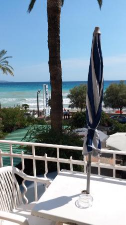Hotel Reine d'Azur: Вид из номера