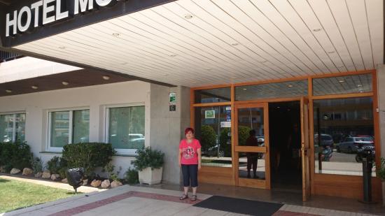 Hotel Montecarlo : Entrada al Hotel