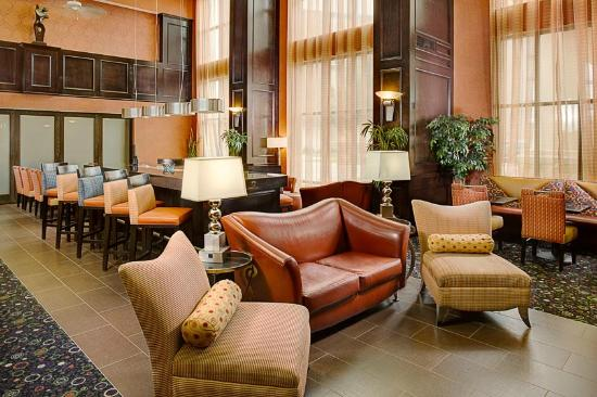 Hampton Inn & Suites Dallas / Lewisville - Vista Ridge Mall: Perfect Mix Lobby