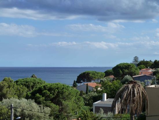 Hotel Cyrnea: vue sur la mer