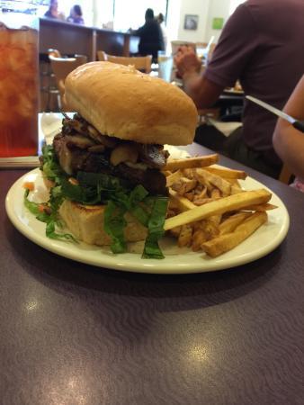 Doug's Day Diner: Haider Time Burger