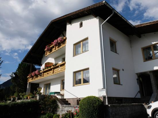 "Panorama Hotel Talhof: Das Gästehaus ""Talblick"" vom Hotel ""Talhof"""