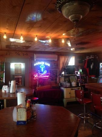 Coleharbor, ND: Harbor Bar