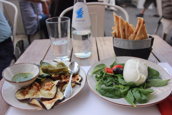 Obica Mozzarella Bar - Campo dei Fiori: Obica's handmade bufala classica with grilled/oven baked veggies