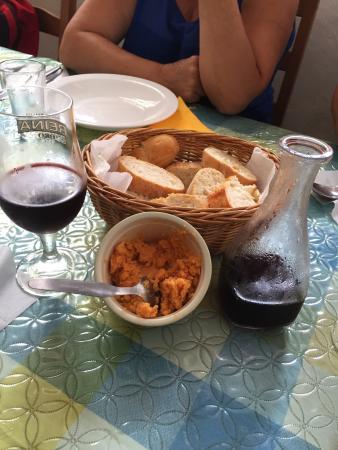 Buena comida en buena compa a picture of la montana for Comida buena