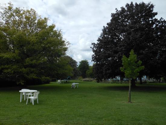 Saint-Martin-de-la-Place, Francia: Parc de l'hotel