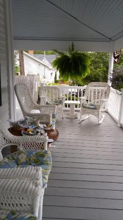 Yardarm Village Inn: great porch!