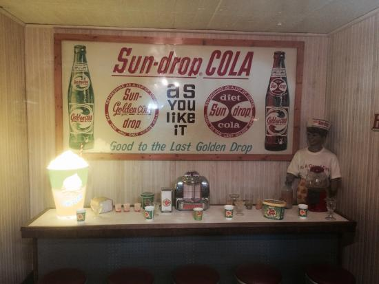 Shawano, WI: Old Soda Fountain Display