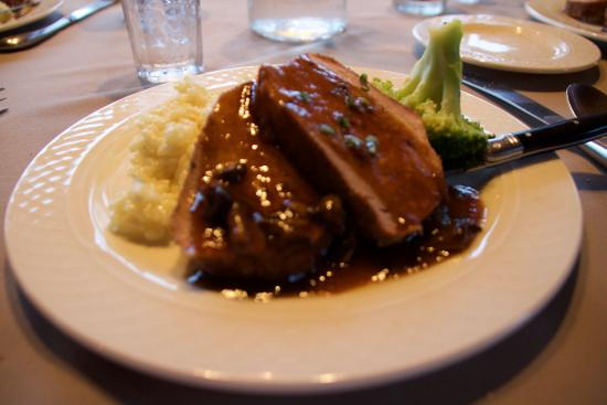 Glacier Bay Country Inn Restaurant: Pork Tenderloin