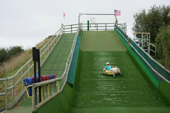 aMaizin! Adventure Park: Rubber ring slide (wet surface)