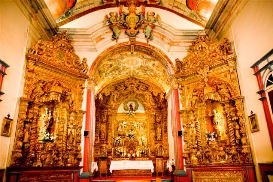 Resultado de imagem para Igreja Matriz de Santo Antônio tiradentes altar de ouro