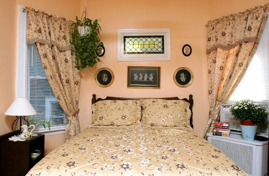 Bibi's Garden Bed and Breakfast