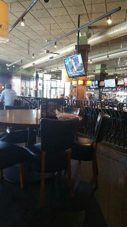 Bar Louie on a late lunch Wed.