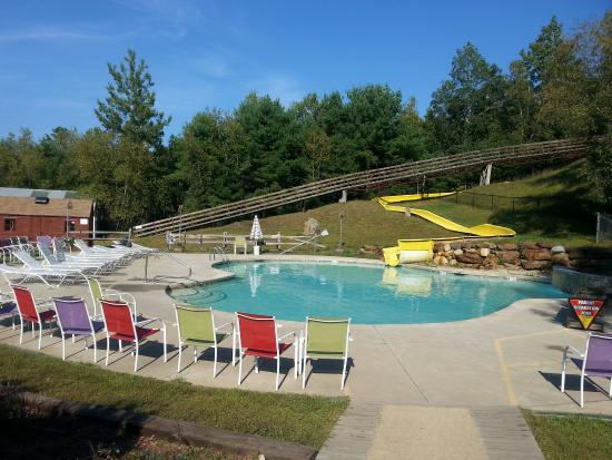 Lebanon, ME: Waterslide pool