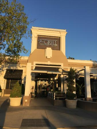 The Grill on the Alley - Westlake Village: Entrance