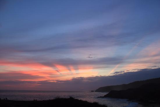 Hostal La Isla: atardecer en Punta Cometa, Mazunte